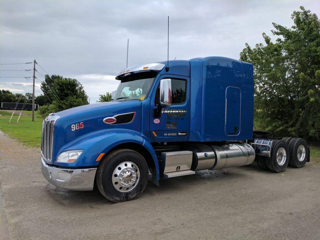 Freerksen Trucking 985