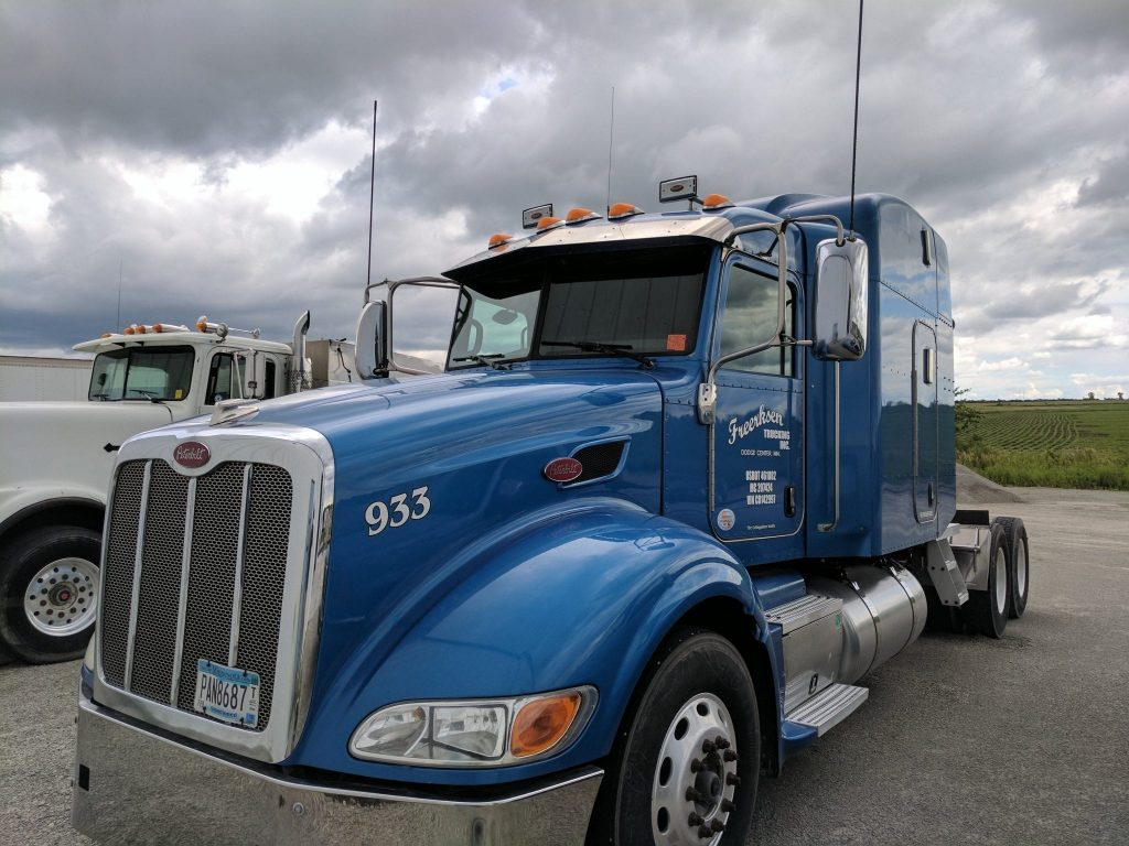 Freerksen Trucking Truck 933